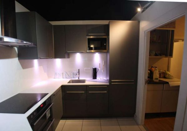 Intoto Aura Grey Ex Display Kitchen, Laminate Worktops, AEG . Part 80