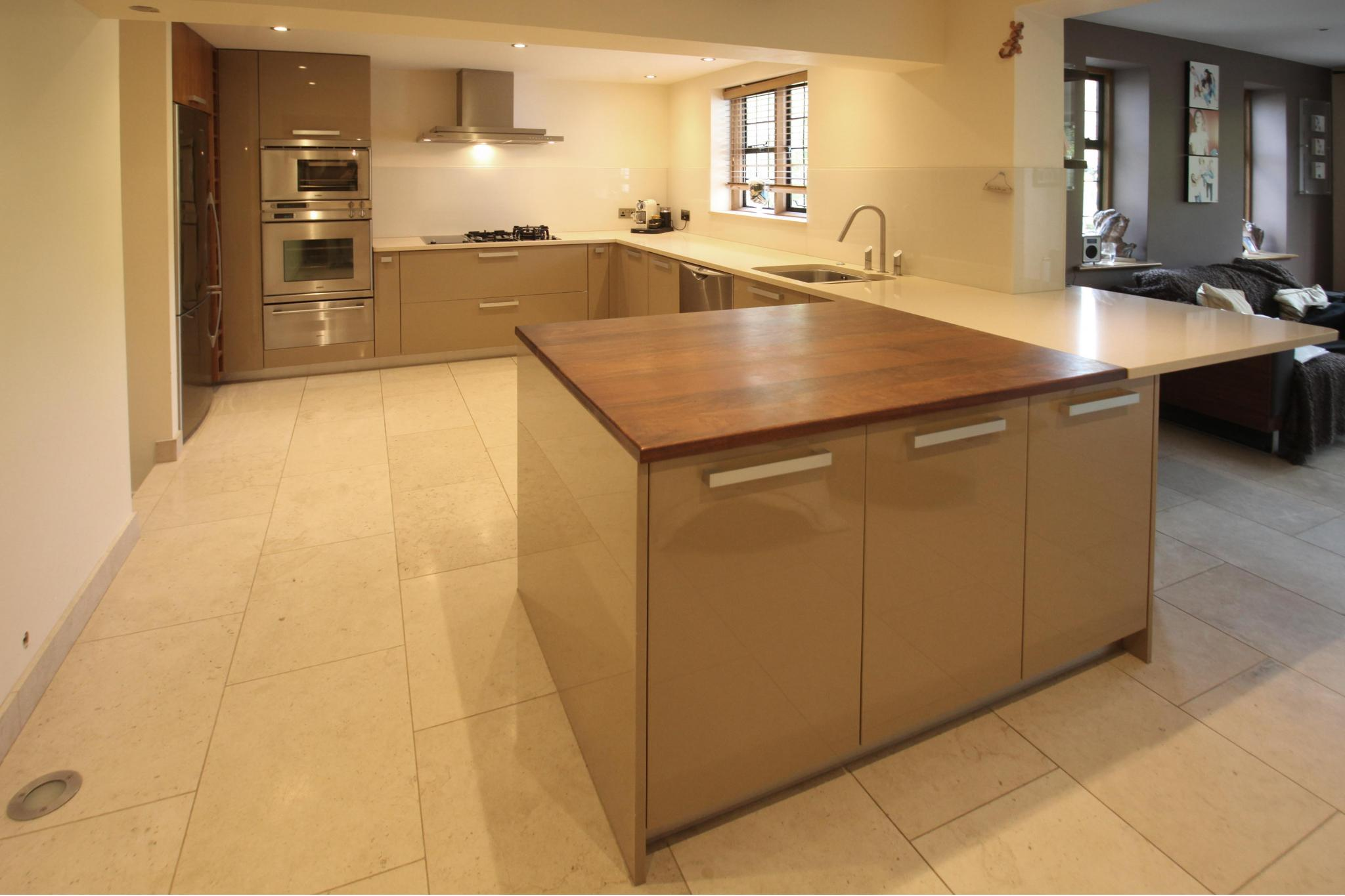 EUROMOBIL High Gloss Used Kitchen Full View