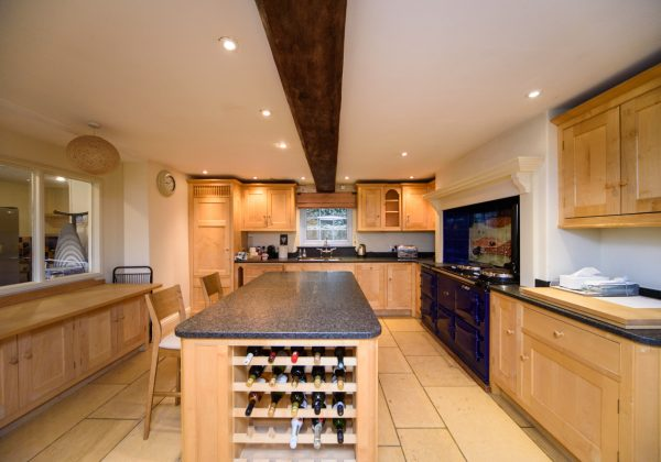 Traditional Bespoke In-Frame Used Kitchen