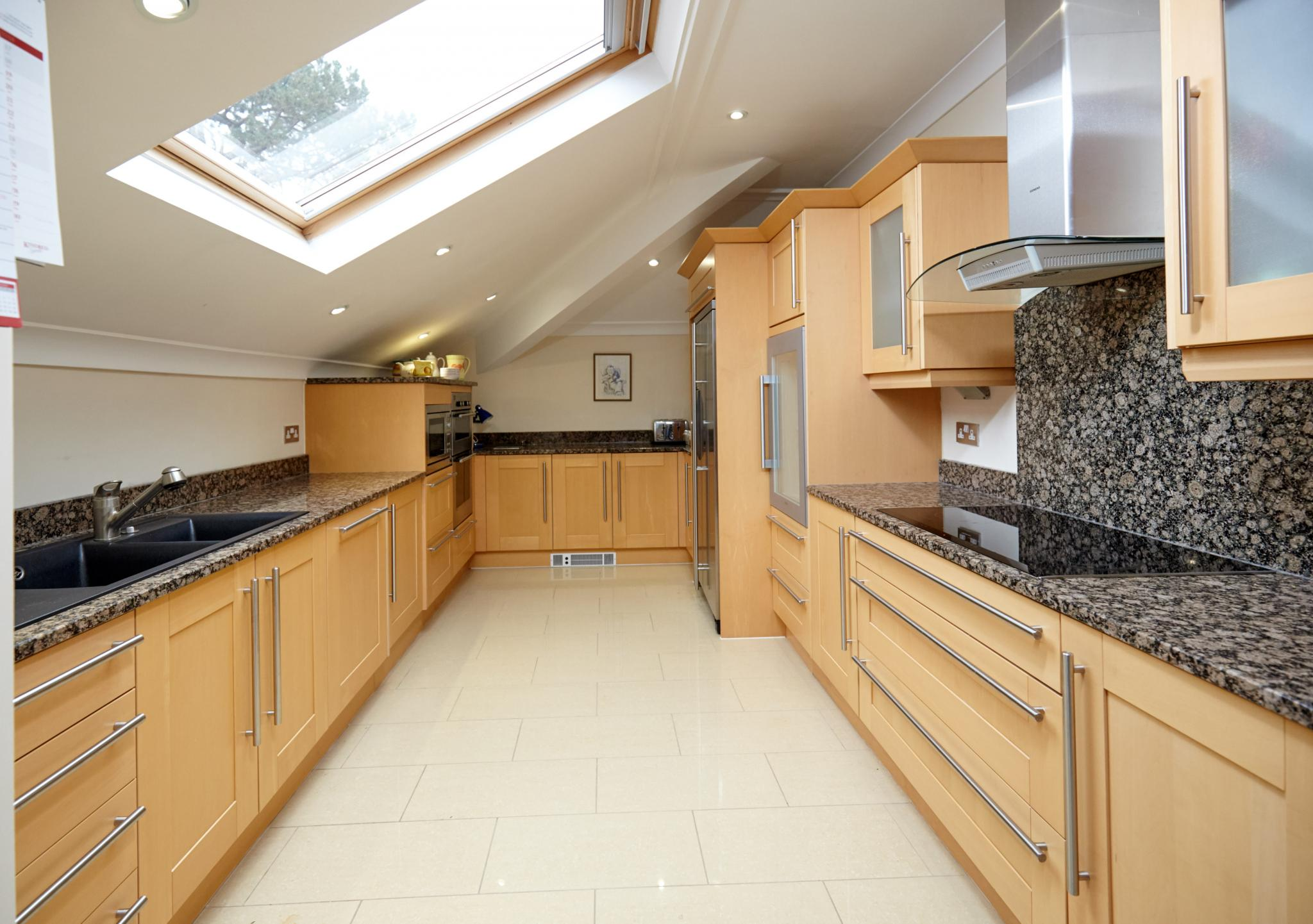 Traditional Shaker Used Kitchen with Granite Worktops