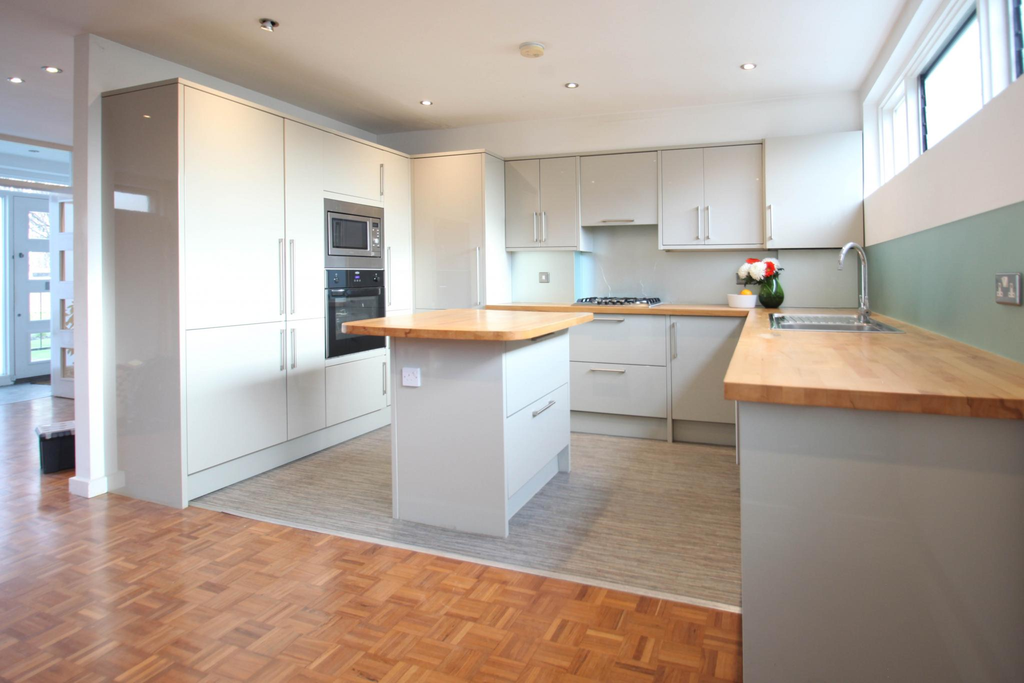 Howdens Modern Gloss Used Kitchen With Island Wooden