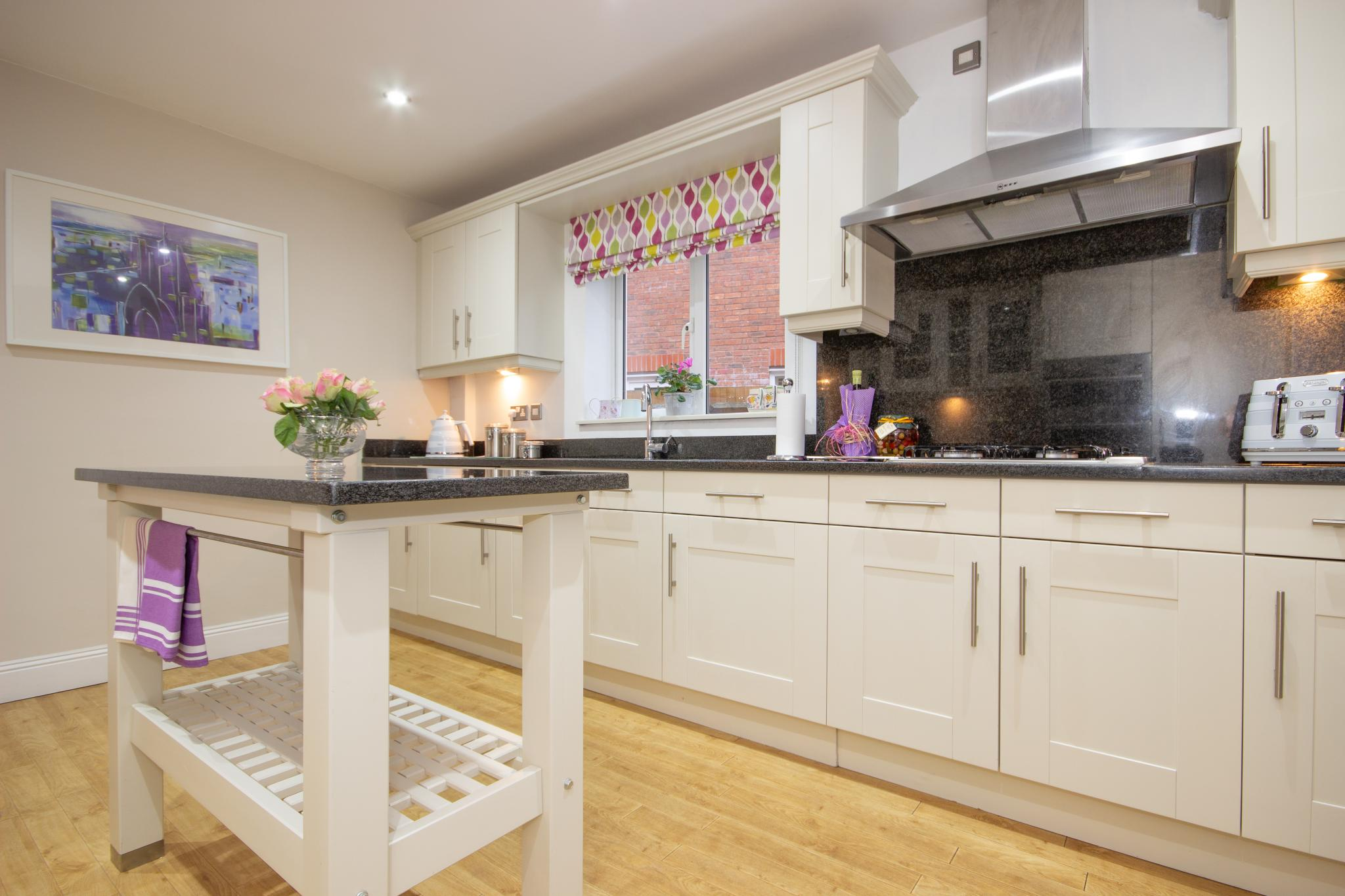 must go - large shaker kitchen with freestanding island
