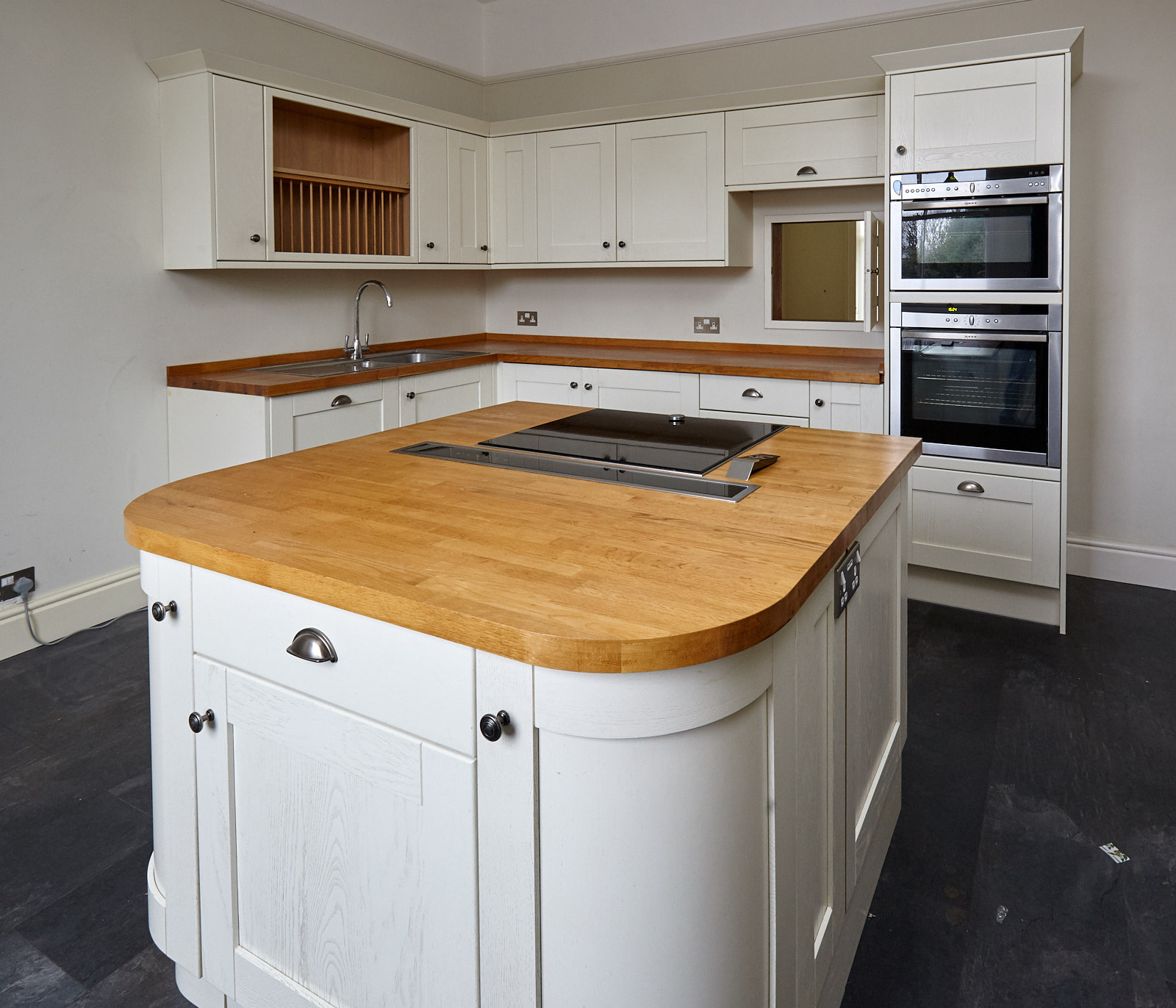 Used Kitchen Island For Sale: Modern Painted Shaker Style Used Kitchen With Island