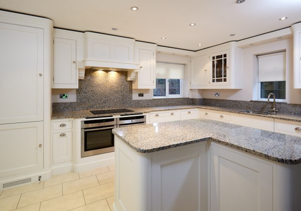 TOM HOWLEY Bespoke In Frame Used Kitchen Full View