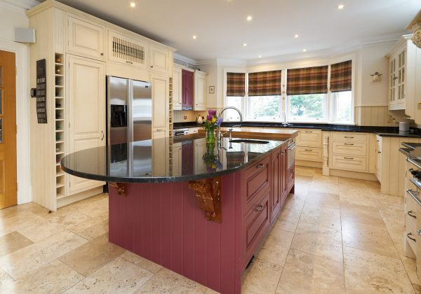 LARGE Traditional In Frame Used Kitchen