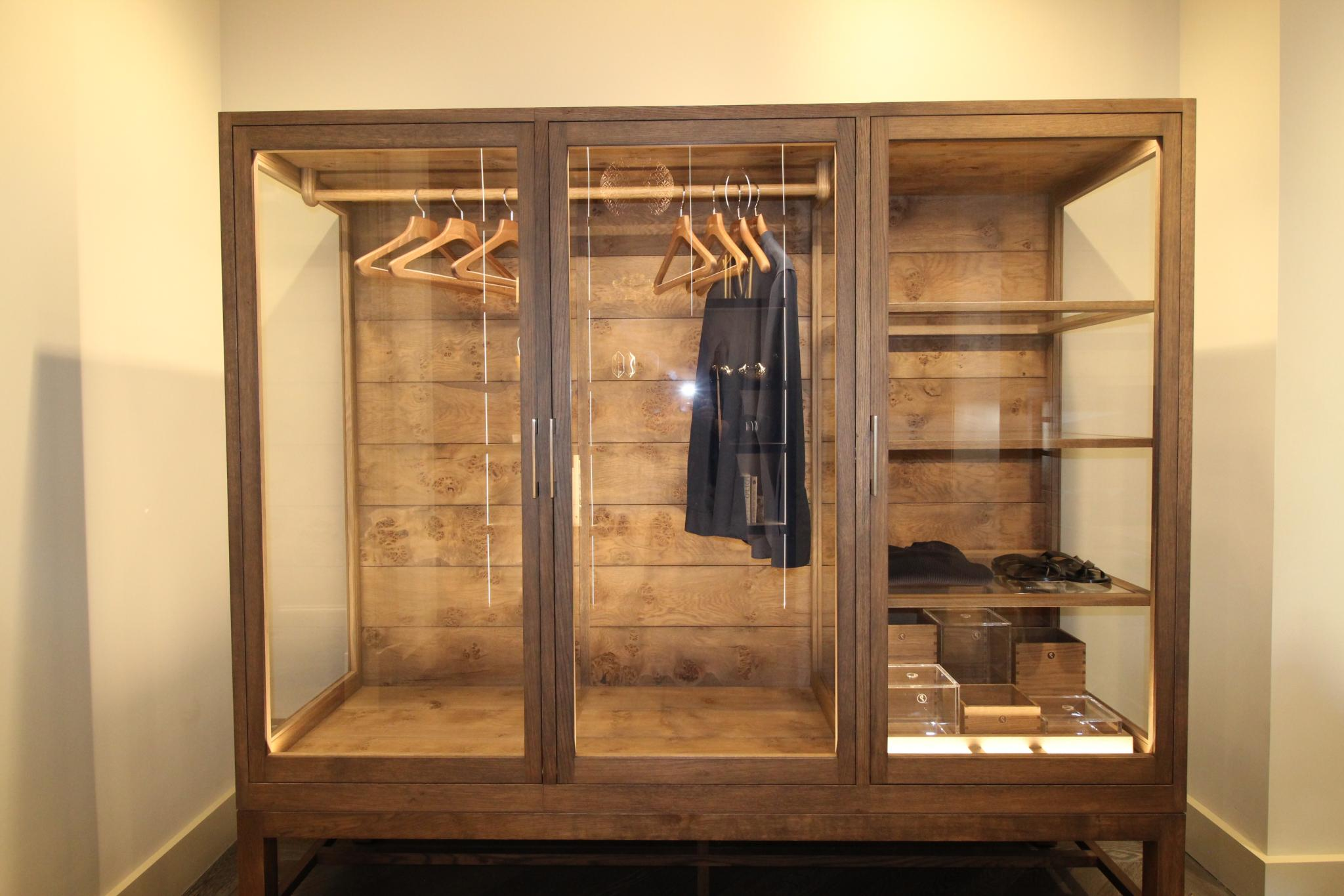 on sale fb142 d3a14 53% OFF RRP £32,000 + SMALLBONE OF DEVIZES Worshipful Wardrobe, South