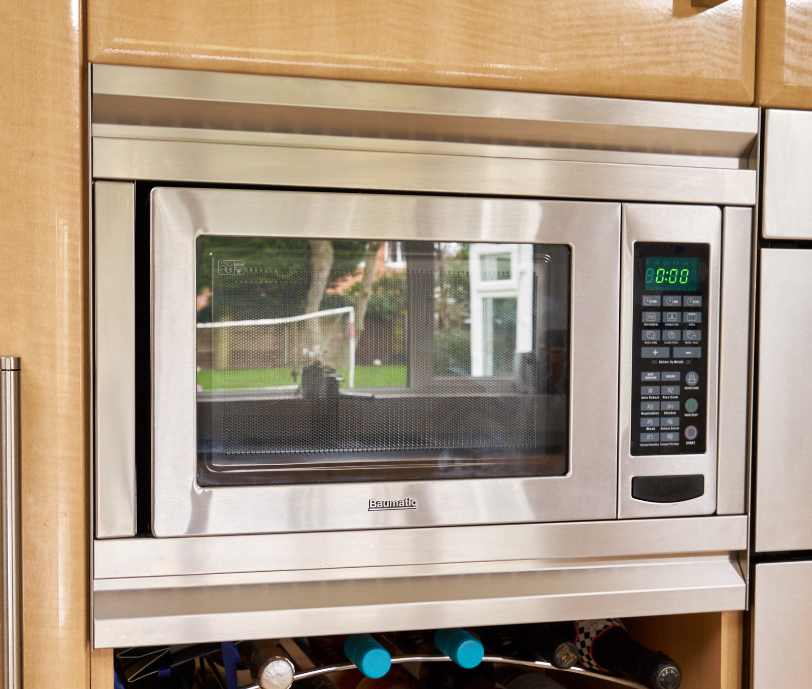 Refurbished Kitchen Appliances: LOWER COST OPTION: Massive Traditional Family Style Used