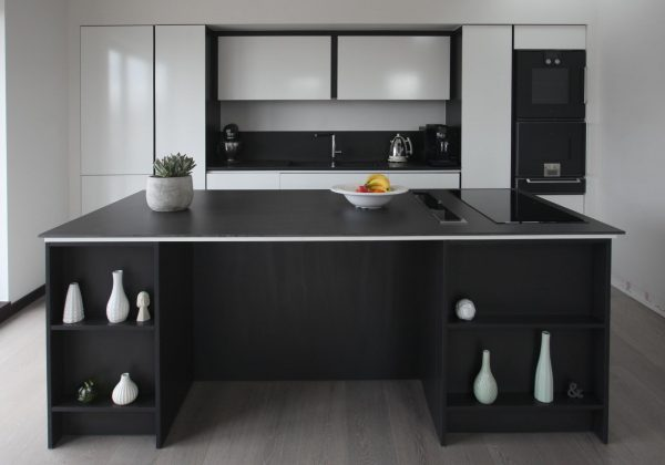 Bespoke Handleless Modern Used Kitchen with Island