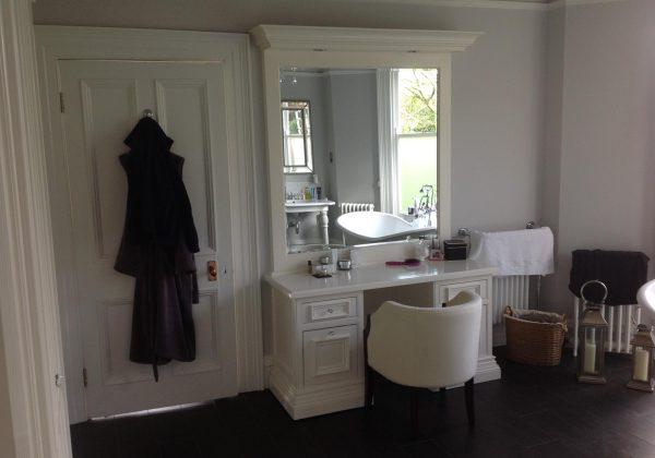 Ex Display Classic White Wardrobe and Dressing Table