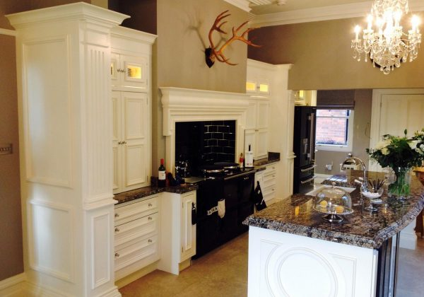 Large Elegant Ex Display Kitchen with Island