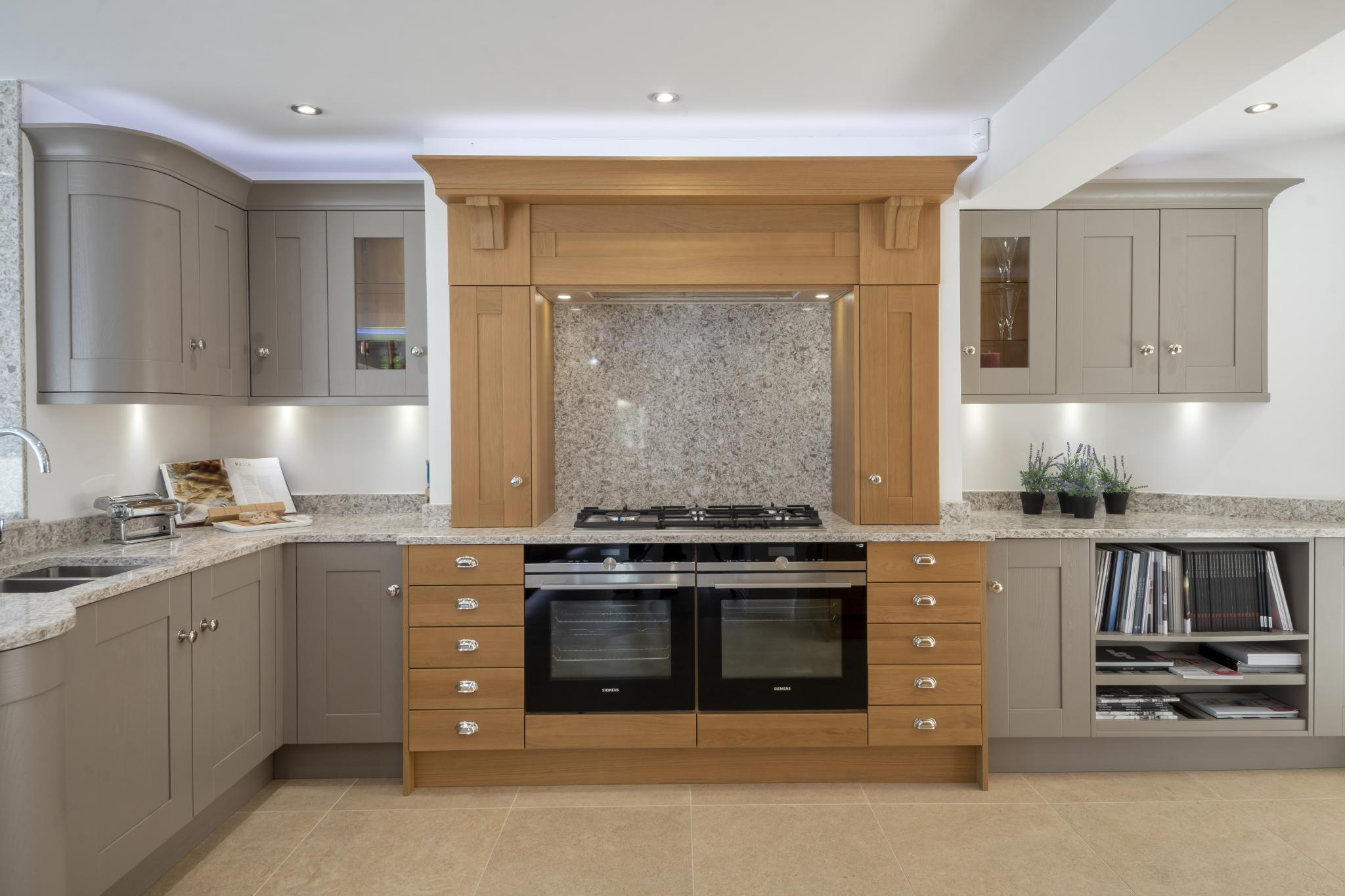 SHERATON Painted Oak Shaker Ex Display Kitchen