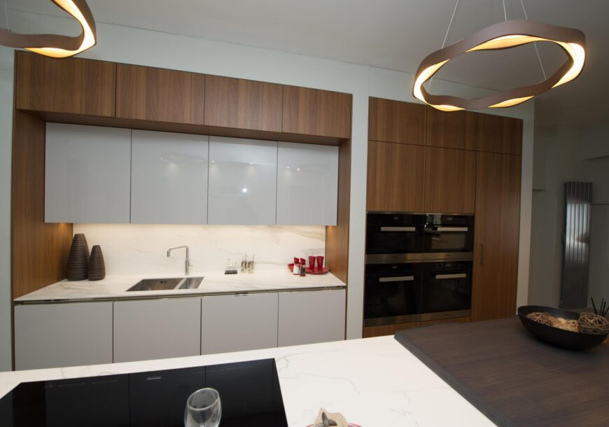 61% OFF RRP £63,000+ SIEMATIC S2 / SE4004 Ex Display Kitchen with Island, South
