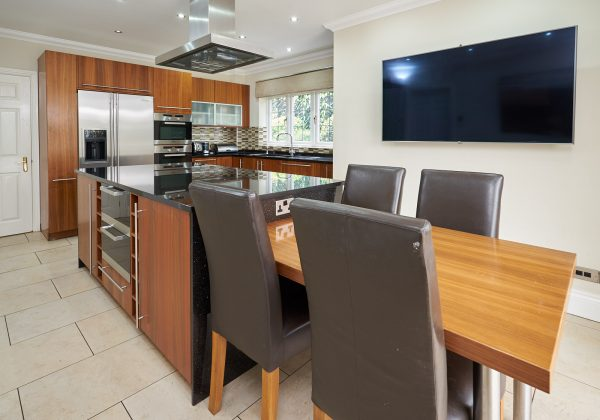 Modern Used kitchen with Island
