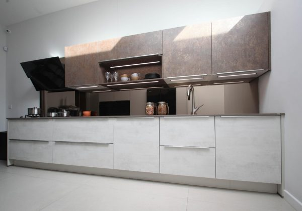 NOBILIA Ex Display Kitchen with Quartz Worktops