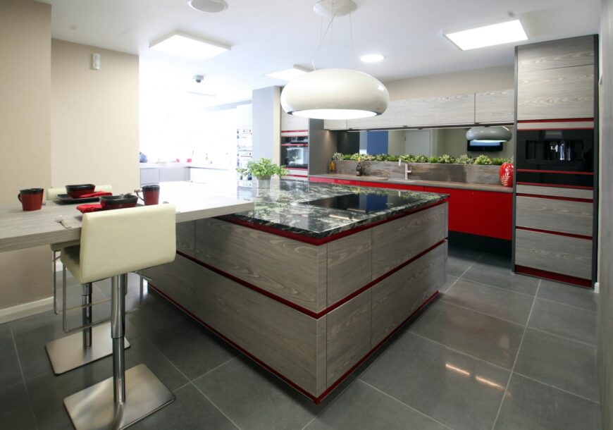 80%  OFF RRP £33,700+ STORMER Ex Display Kitchen, Island and Peninsula, KUPPERSBUSCH Appliances,  South