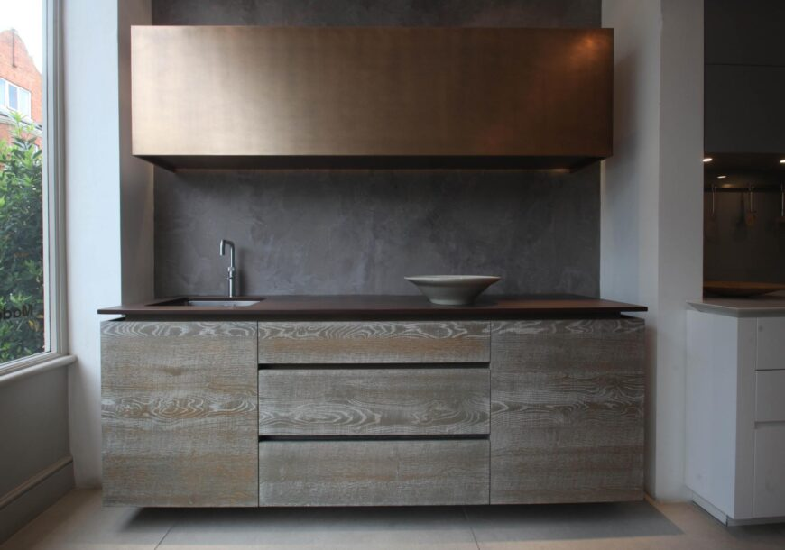 75% OFF RRP £19,800+ ROUNDHOUSE Urbo & Metro Ex Display Kitchen Units with Sink, South