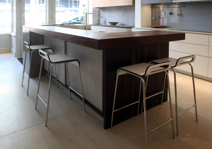 75% OFF RRP £17,500 ROUNDHOUSE Urbo Matt Lacquer Ex Display Kitchen Island, South