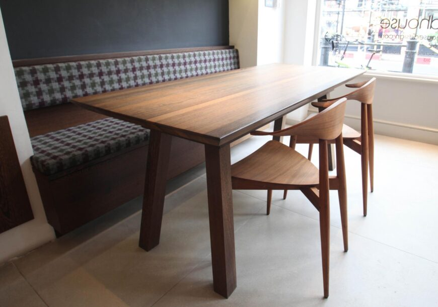 75% OFF RRP £10,000+ ROUNDHOUSE Urbo and Metro Ex Display Units, Built-In Bench, Table & Chairs, South