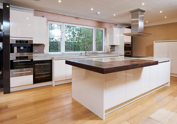 SIEMATIC Used Kitchen with Island