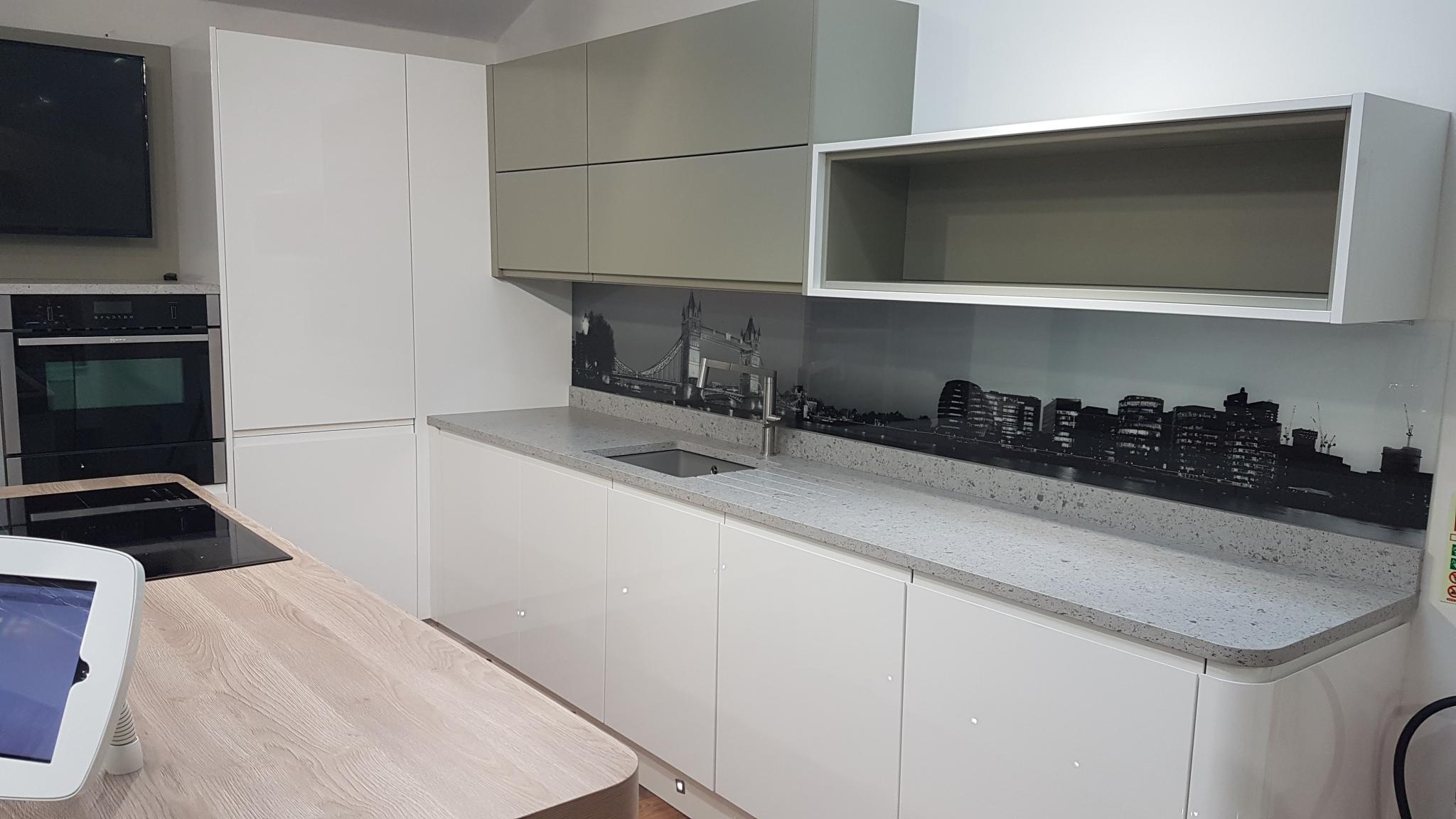 35% OFF RRP £14,500+ Welford High Gloss Ex Display Kitchen