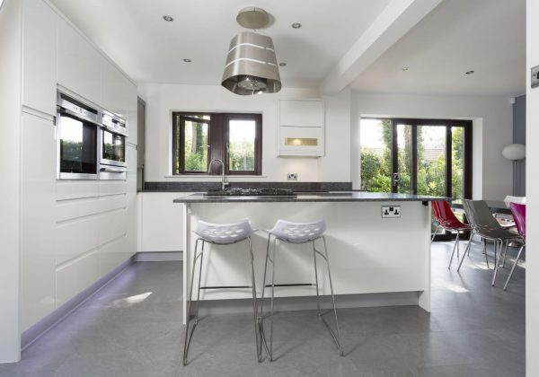 CHIPPENDALE Soho Gloss Used Kitchen