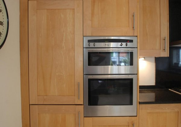 Shaker Used Kitchen with NEFF Appliances