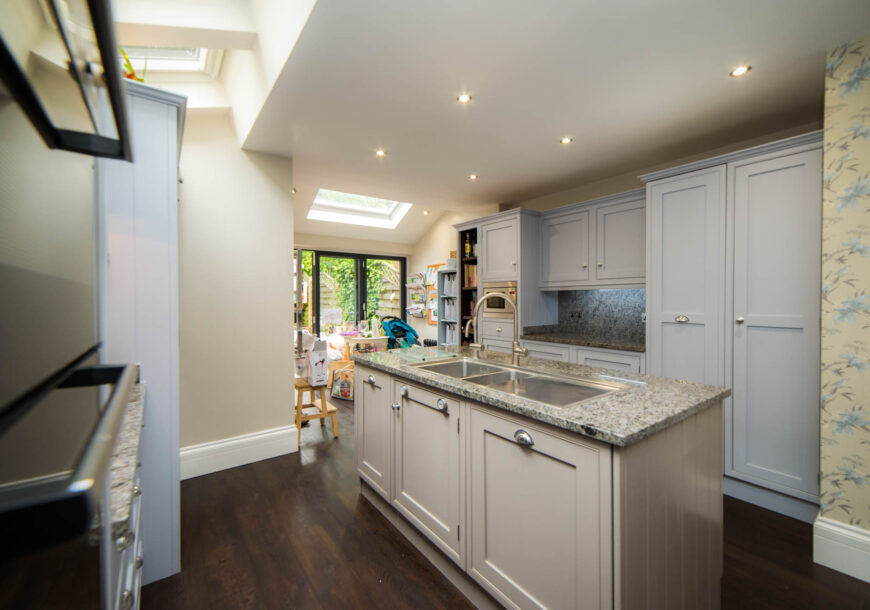 REDUCED! BESPOKE Painted Shaker Used Kitchen with Bosch Appliances, London