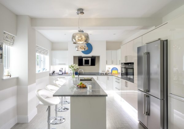 Gloss Used Kitchen with CDA Appliances