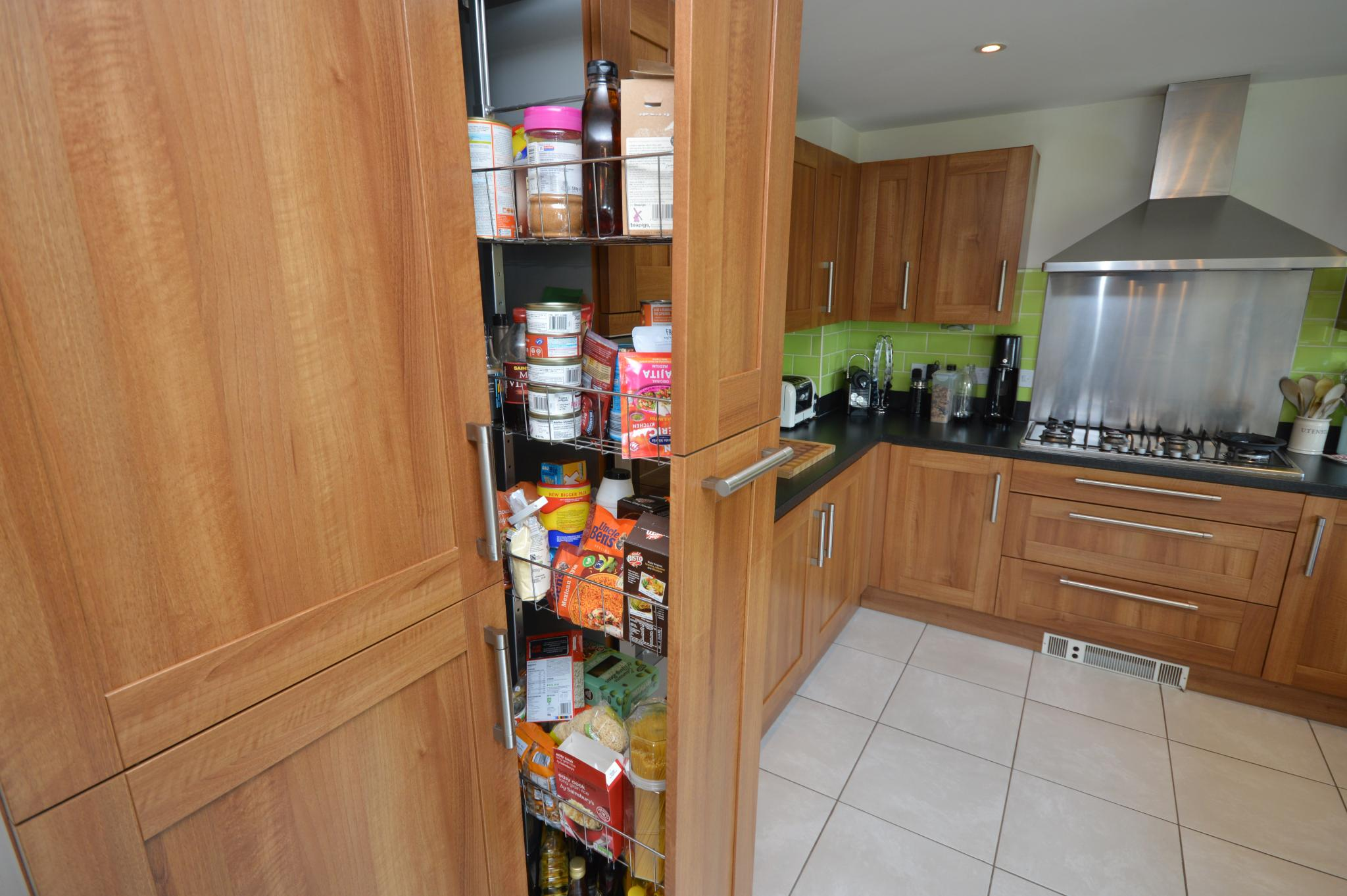 Last Chance To Buy Paula Rosa 👪 Family Shaker Used Kitchen Aeg Appliances Wiltshire Used Kitchen Exchange