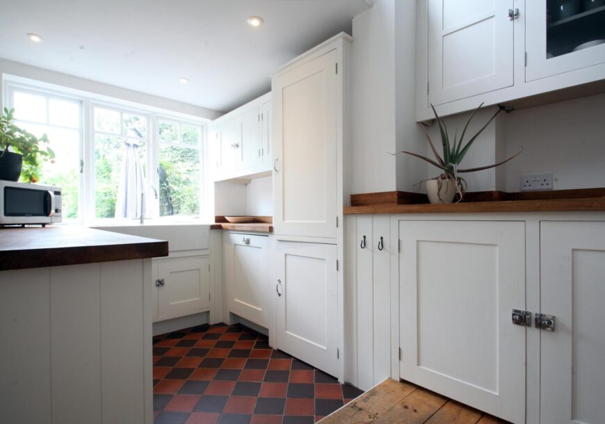 Traditional Shaker In Frame Used Kitchen
