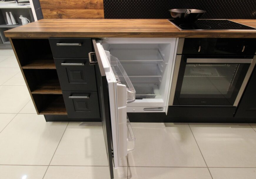 50% OFF RRP £18,000 Kütchenhaus ?? Sylt Black and Timber Ex-Display Kitchen with Appliances, Manchester