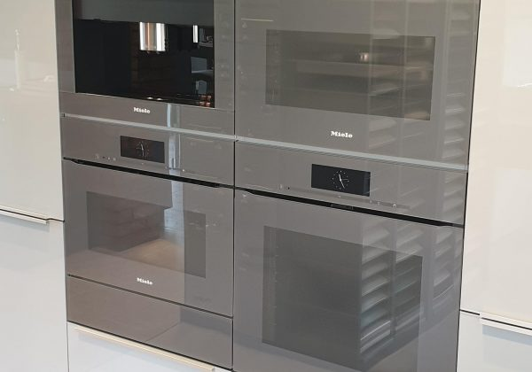 MIELE Graphite Grey Ex Display Appliance Pack