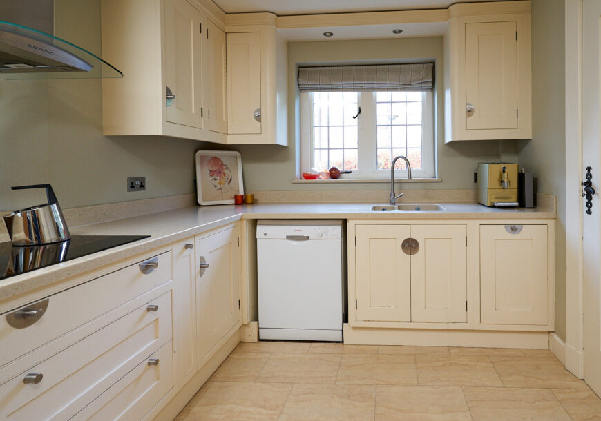 RECENTLY REDUCED! Beautiful LARGE Bespoke In Frame Used Kitchen, NEFF Appliances, Corian Worktops, Cheshire