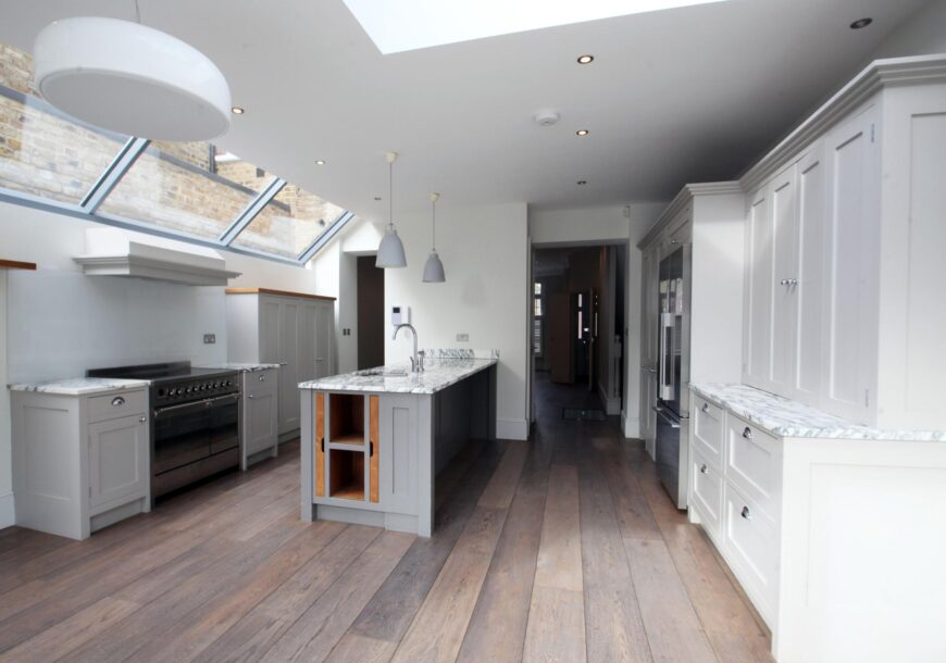 BESPOKE Large Modern In Frame Shaker Kitchen with Appliances, Fulham
