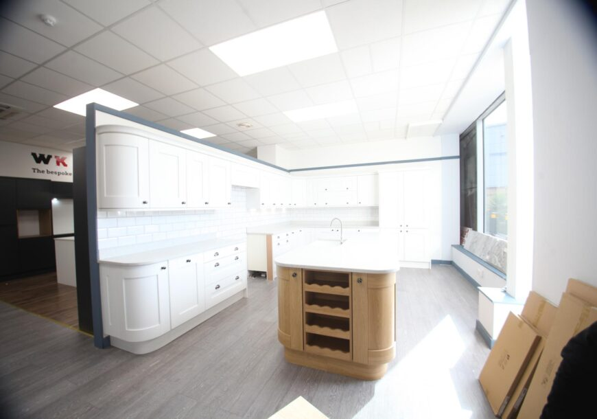 MUST GO! 63% OFF RRP £16,000 Kitchen Stori Shaker Ex Display Kitchen with Island, Stone Worktops, South