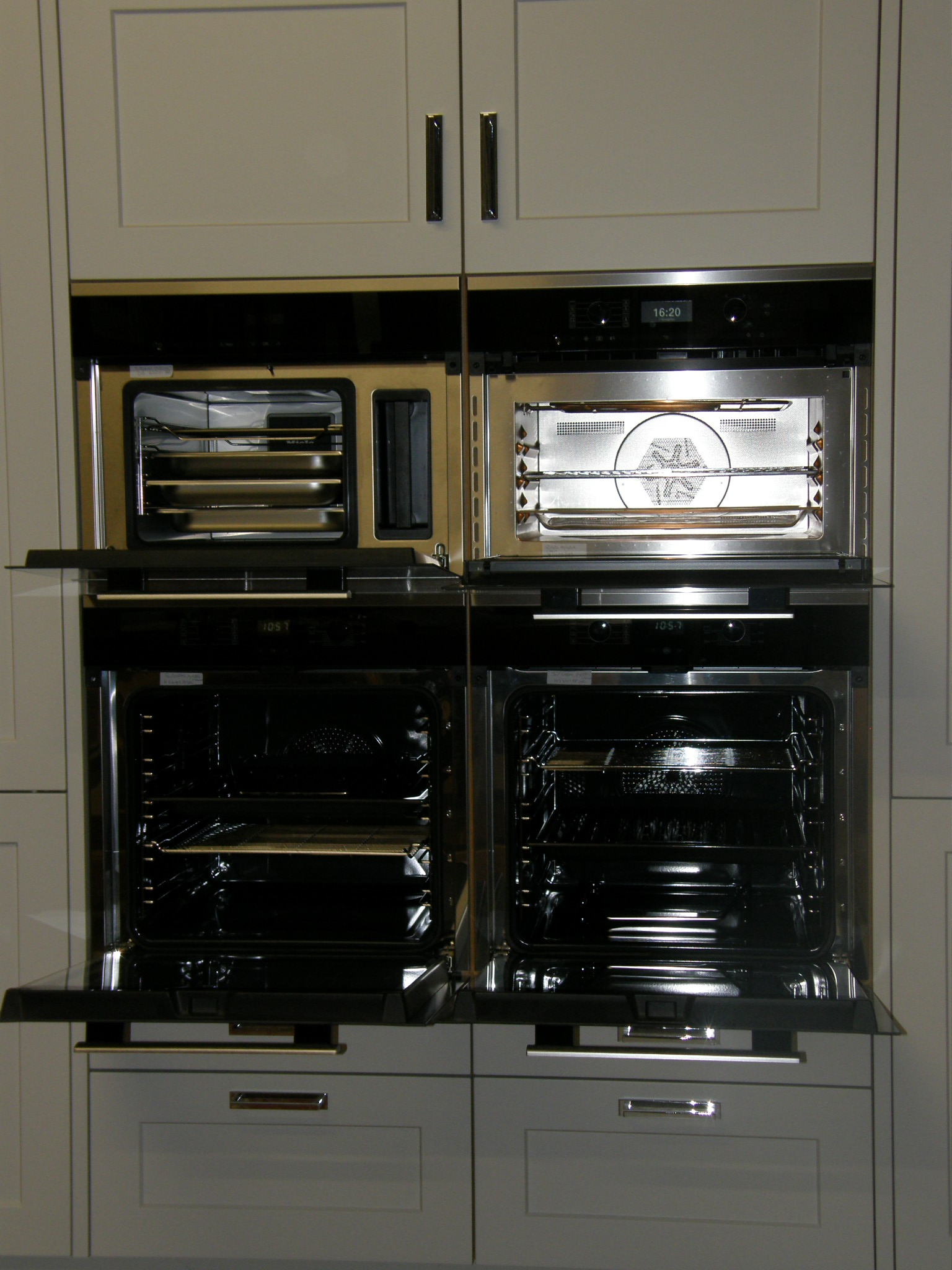 43% OFF RRP £7000+ Ex Display MIELE Kitchen Appliance Pack