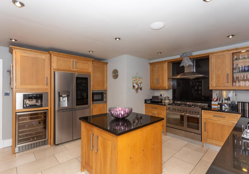 Approved Used Kitchen, Bespoke Clarity Arts In Frame Shaker, Leeds