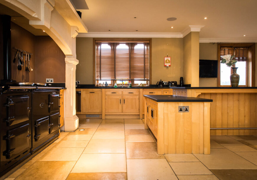 Approved Used Kitchen, MARK WILKINSON Etruscan, Hertfordshire