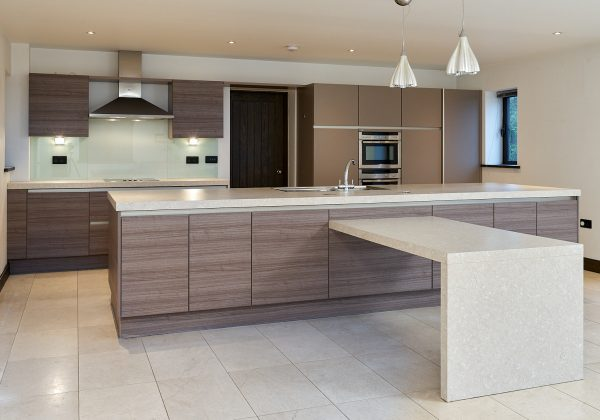 SIEMATIC Used Kitchen with Large Island