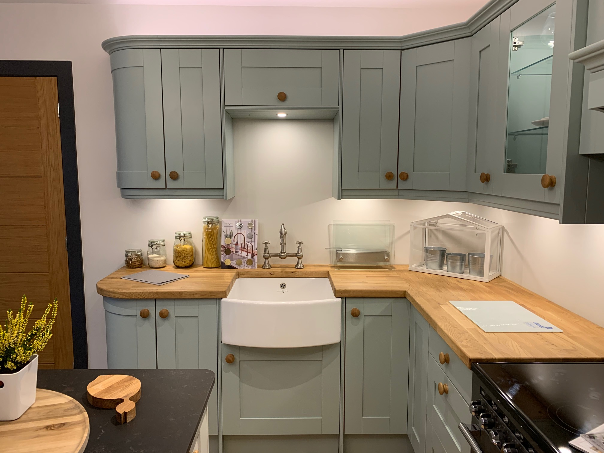 Ex Display Kitchen, Shaker, Crown Imperial, South - Used ...