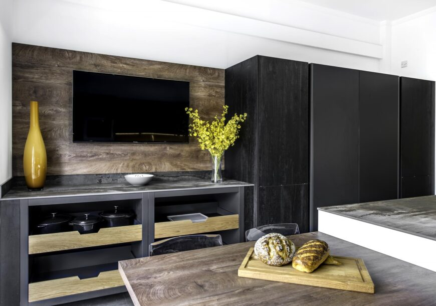 Ex Display Kitchen, BAUFORMAT Carbon and White, Dekton and Neff Appliances, South