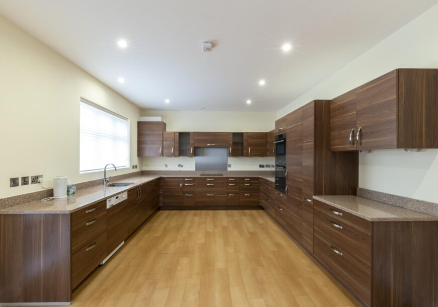 Approved Used Kitchen, Large Contemporary, Oxfordshire