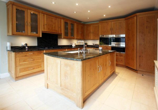 Approved Used Kitchen, Pippy Oak Shaker