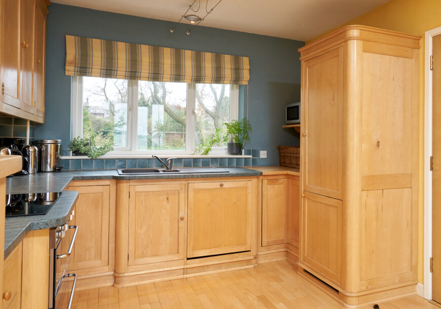 Approved Used Kitchen, Solid Wood In Frame Kitchen, Merseyside