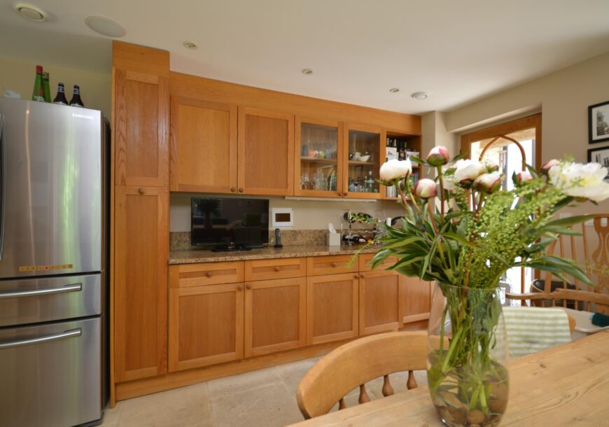 Approved Used Kitchen, Large Country Style Shaker, Cheltenham