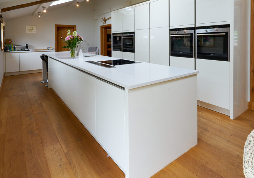 Approved Used Kitchen, Very Large Hacker (German) Modern Handleless, Siemens Appliances, Cheshire