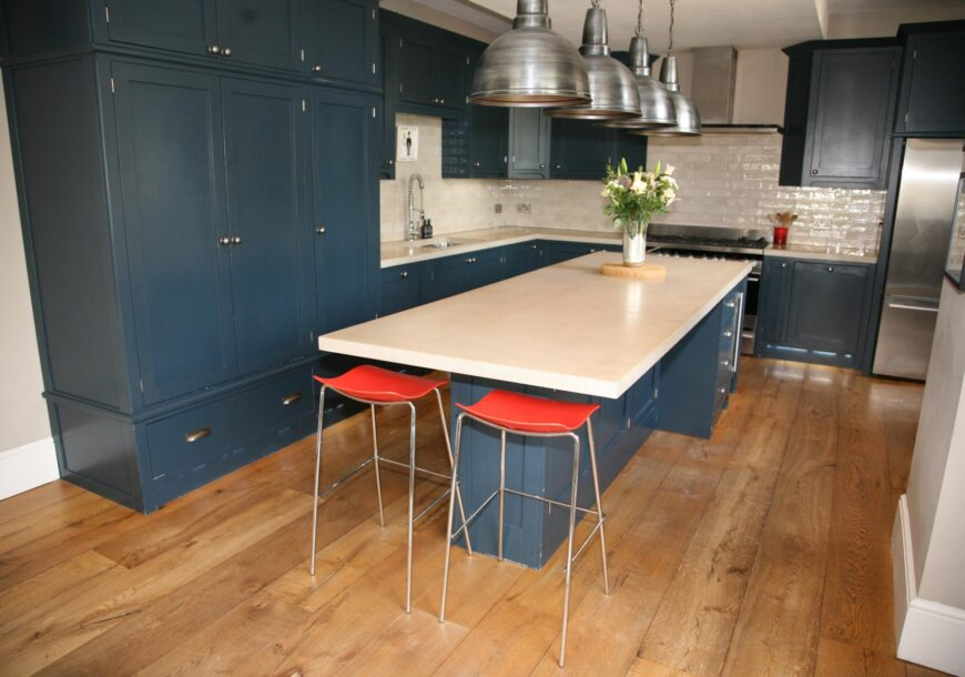 Approved Used Kitchen, Large In Frame Shaker with Bar, Yorkshire
