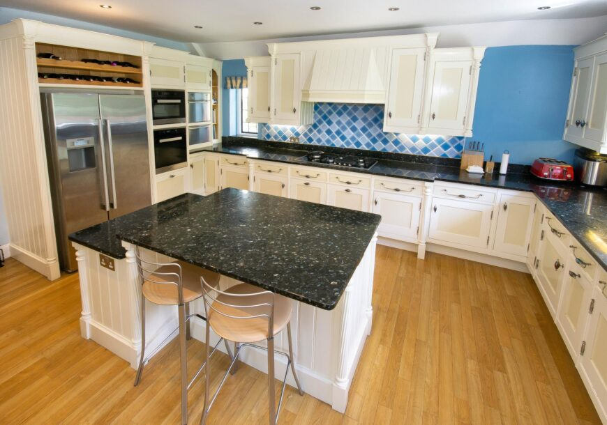 Approved Used Kitchen, Mark Wilkinson Etruscan, Kent