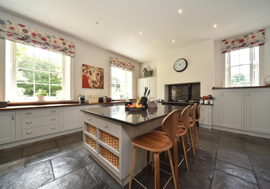 Approved Used Kitchen, Large Painted Shaker, Gloucestershire