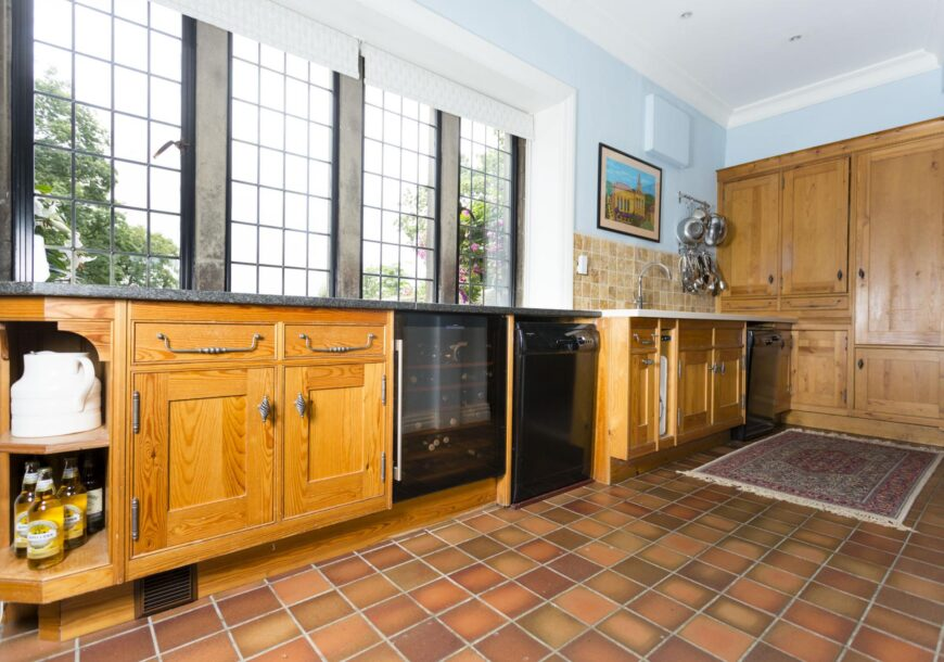 Approved Used Kitchen (Renovation), Mark Wilkinson Etruscan Shaker, North Yorkshire